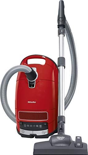 Miele Complete C3 Red Bodenstaubsauger mit Beutel / 550 Watt / 4,5 l Staubbeutelvolumen / 3-teiliges Zubehör / Silence-System Plus / Universal-Bodendüse / AirClean Plus Filter /Mangorot